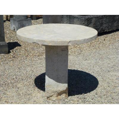 Table ronde de jardin en pierre dure