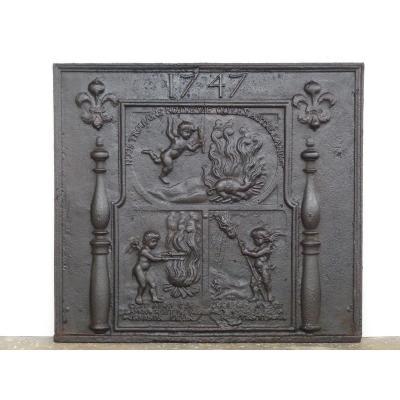 Plaque de cheminée aux angelots au feu (80x72 cm)