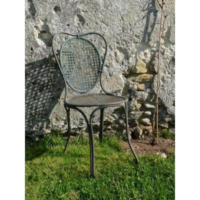 ancienne chaise métal de jardin
