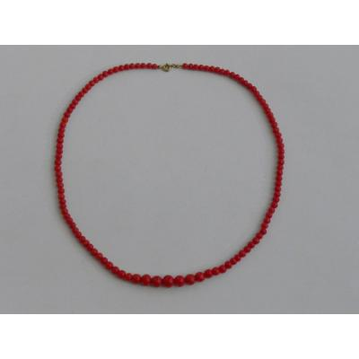 Necklace In Red Coral Pearl, The Clasp In 18k Gold. France XIXth Century