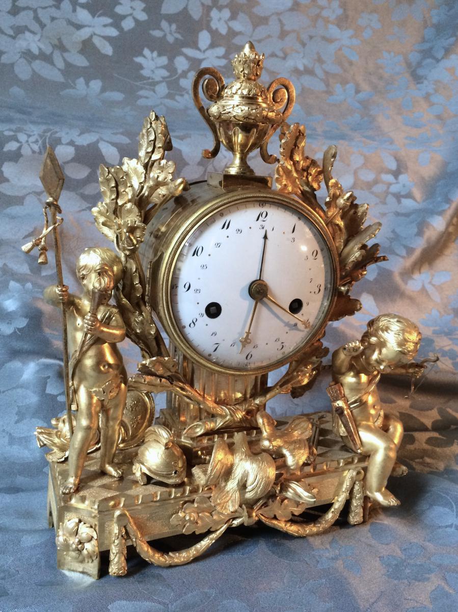 Pendule à Quantième - l'Amour Triomphant De La Guerre - Epoque Louis XVI