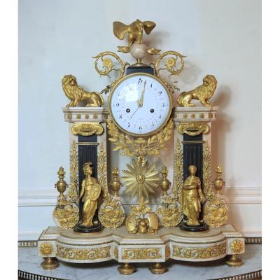 Pendule Louis XVI à La Justice - Modèle Du Musée Des Arts Décoratifs