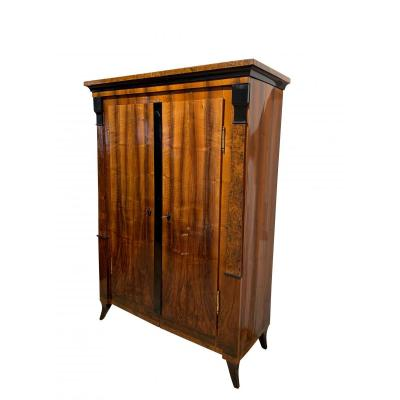 Biedermeier Armoire, Walnut Veneer, Birch Root, South Germany Circa 1820