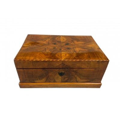 Biedermeier Box, Walnut And Maple Veneer, Austria Circa 1820