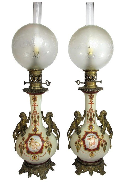 Paire De Lampes Néoclassiques En Porcelaine Et Bronze époque XIX Siècle