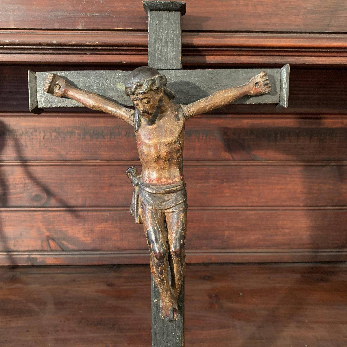 Christ En Bois  polychrome Du XVIII eme Siècle .