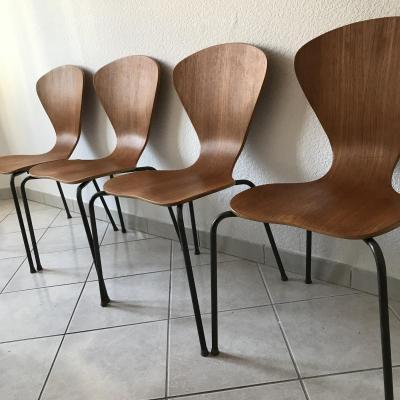 Arne Jacobsen Pour Fritz Handen Suite De 4 Chaises Modèle 3204 .