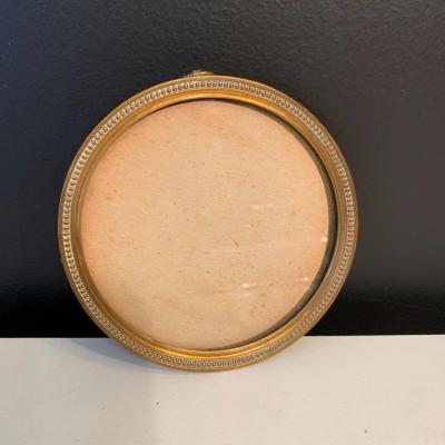 Round Shape Photo Frame In Gilt Bronze Epoque XIX Eme Century.