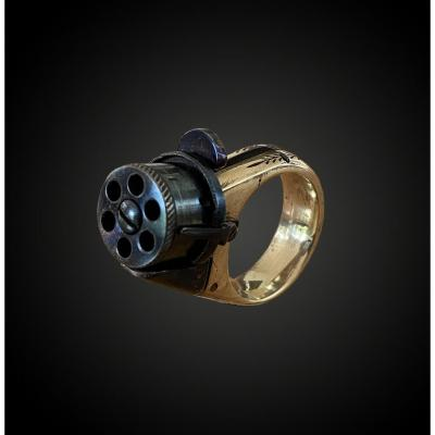 Revolver Ring, Object Of Curiosity