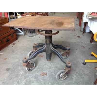 Table D'usine En Fer