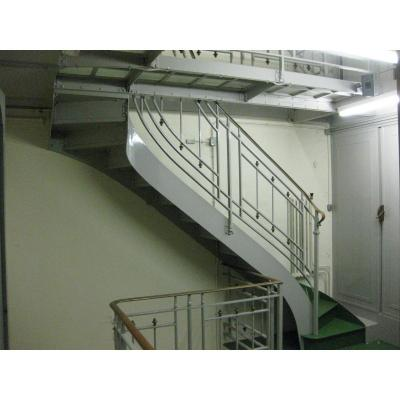 Escalier En Fer Peint
