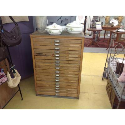 Metier De Furniture A 18 Drawers