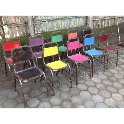 "Chaises ""de Ceremonie"" En Fer Empilables"