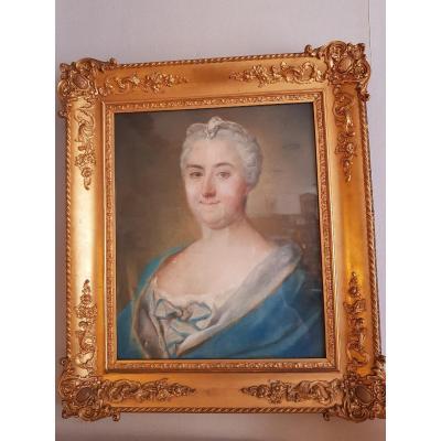 Portrait De Femme Au Pastel 19 ème  Siècle