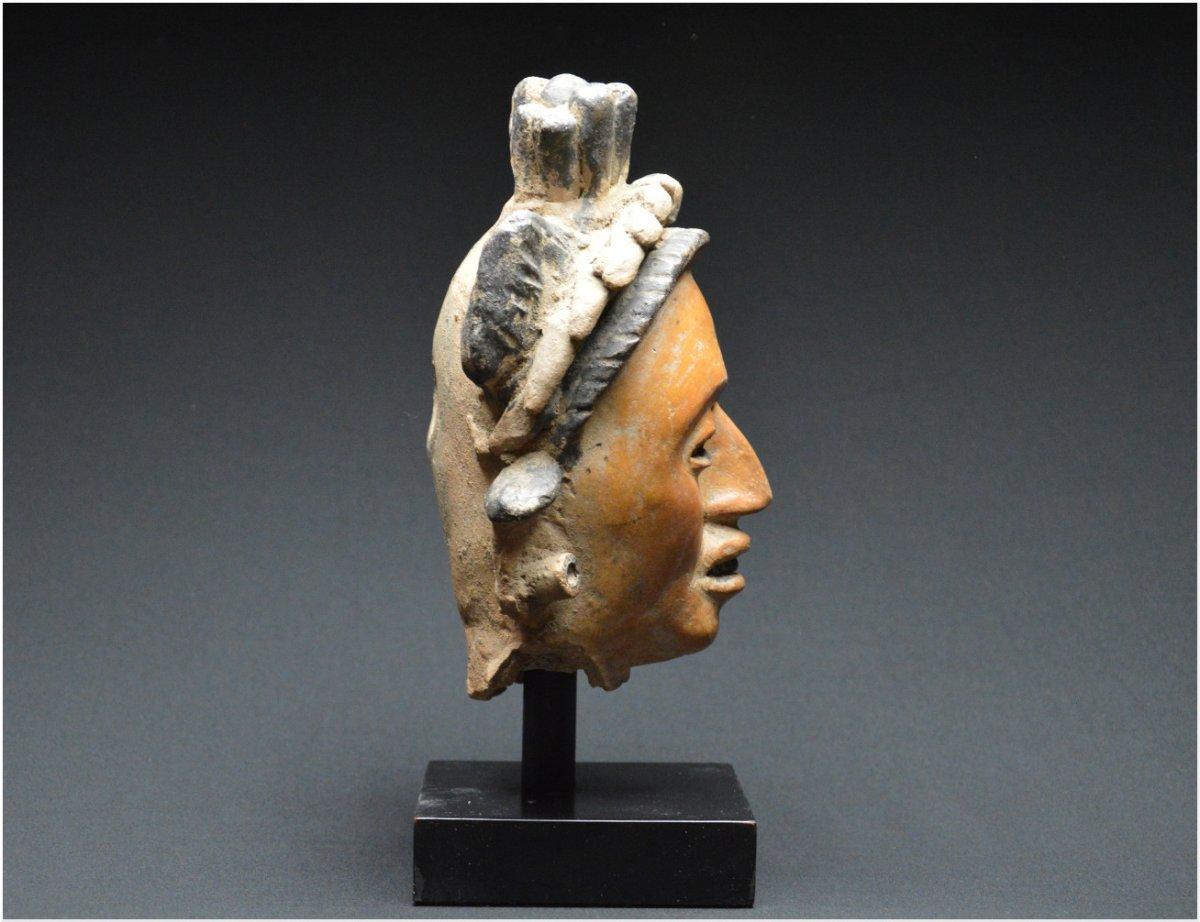 Mexique, Côte du Golfe Atlantique, 250 - 650 après J.-C., Importante tête de dignitaire en céramique
