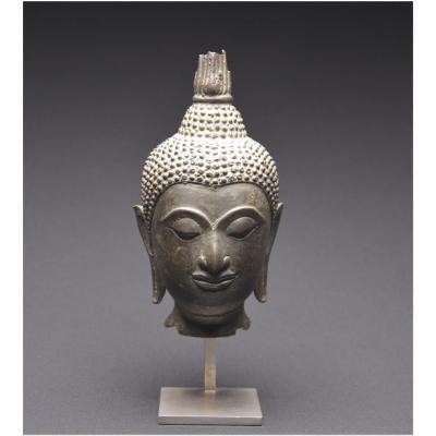 Thaïlande, XIXème siècle, Tête de Bouddha en bronze, Présentée sur socle
