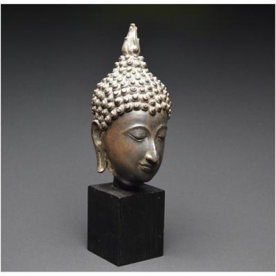 Ancien royaume du Siam, XVIIème siècle, École de Sukhothaï, Tête de Bouddha en bronze