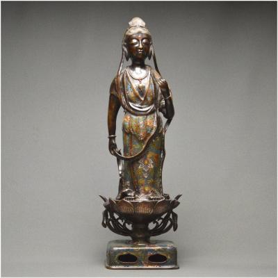 Japon, Fin de l'Ère Meiji, Grande représentation de Kannon en bronze et émaux cloisonnés