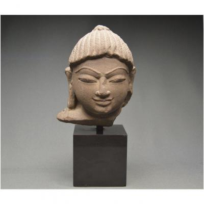 Inde, Xème - XIIIème siècle, Culture Jaïne, Importante tête de Tirthankara en grès