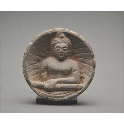 Pakistan, Région du Gandhara, Ier siècle ap J. -C., Représentation de Bouddha en buste, Schiste gris