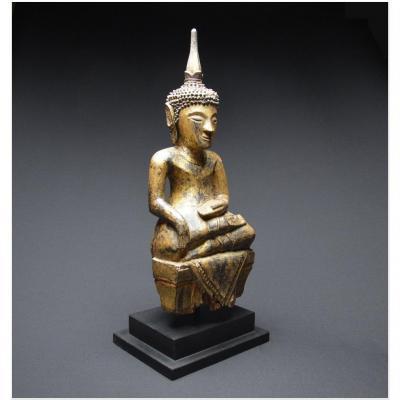 Laos / XIXème siècle / Bouddha Sakyamuni en bois laqué et doré
