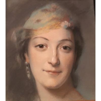 Portrait De Femme - Pastel