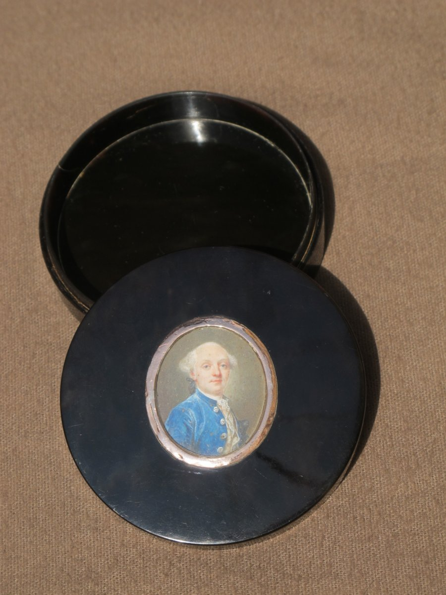 Box In Shell Ornate A Miniature Louis XVI