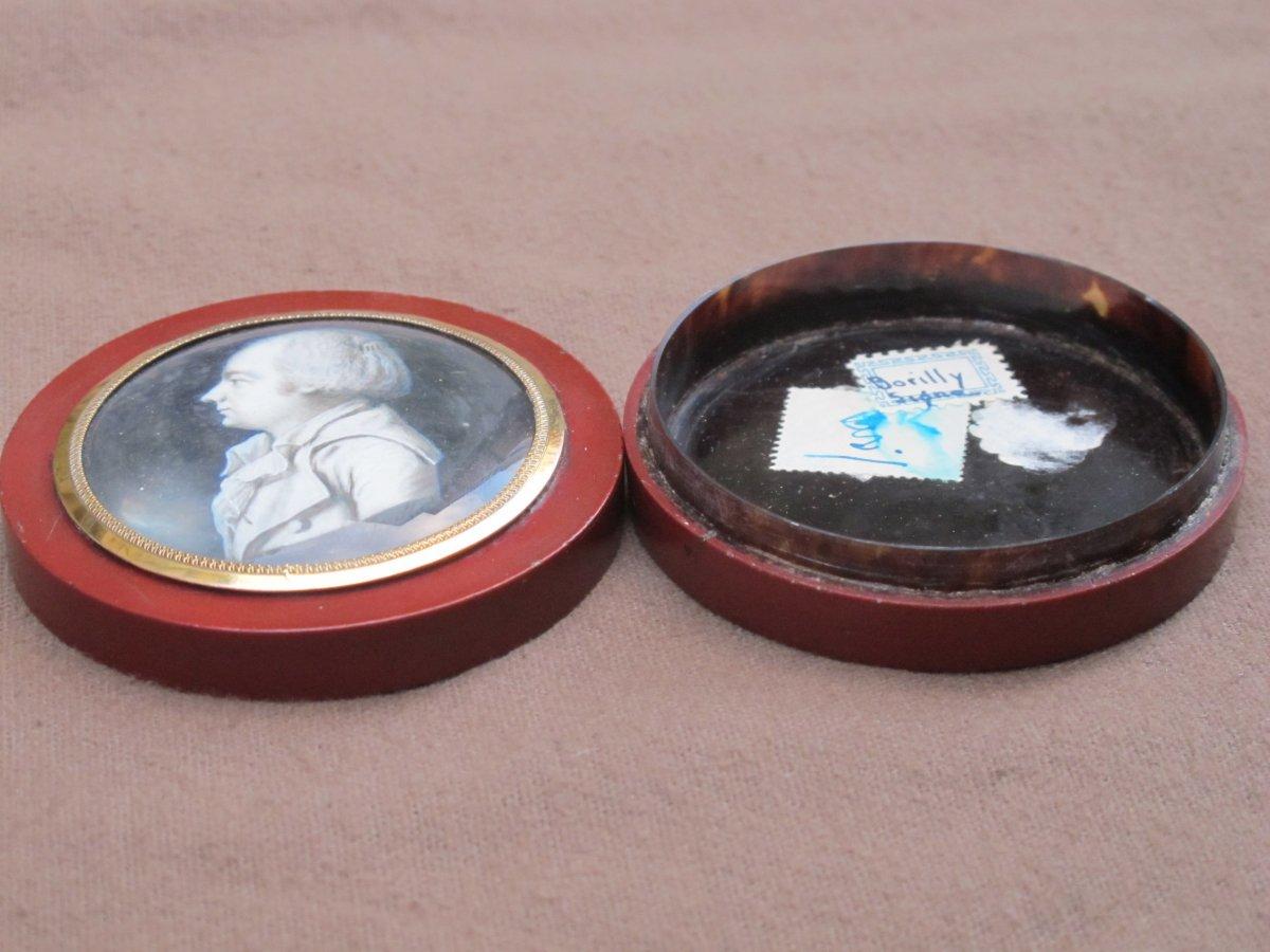 Boite Miniature Signée Borilly    Homme Les Cheveux Relevés Par Un Peigne (condamné Révolution)-photo-5