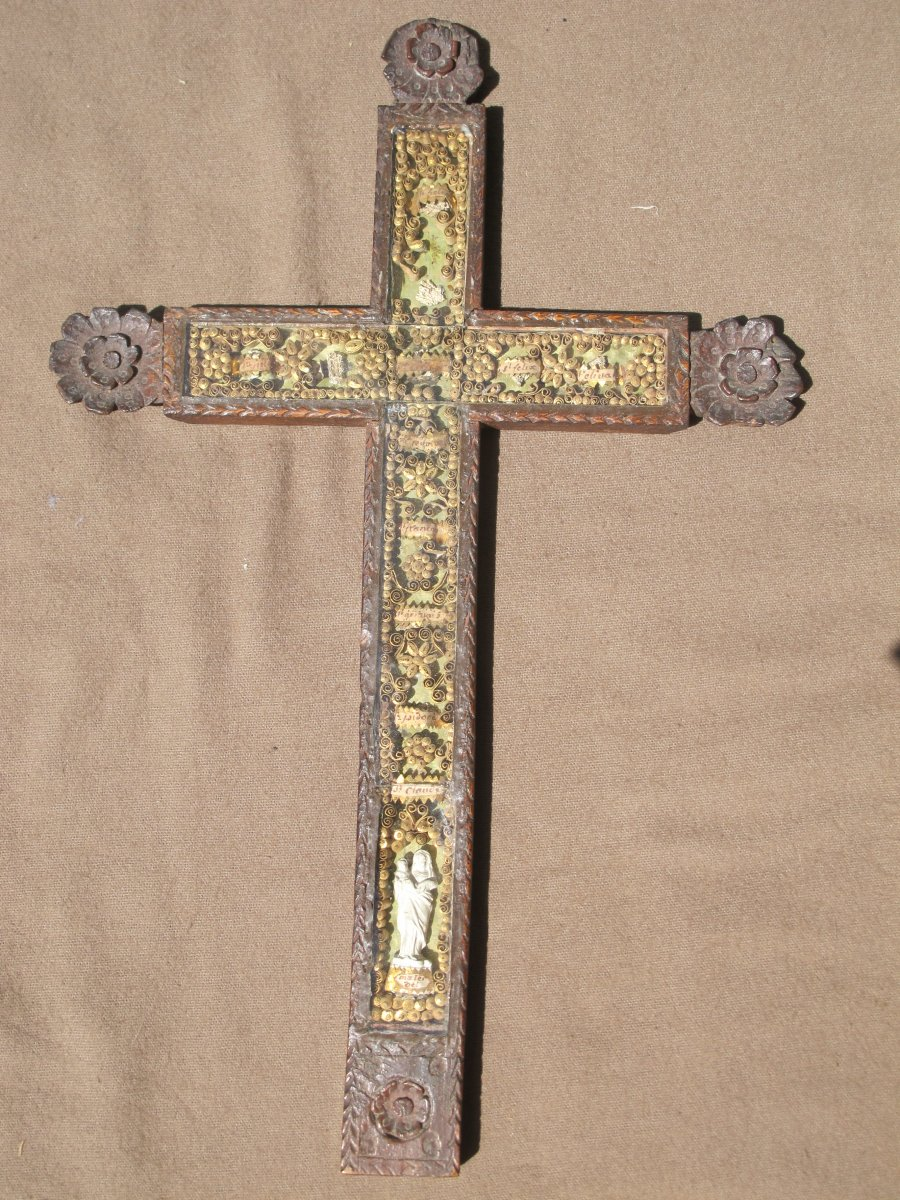 Reliquary Cross Carved And Containing Many Paperolles Era XVIII E Century