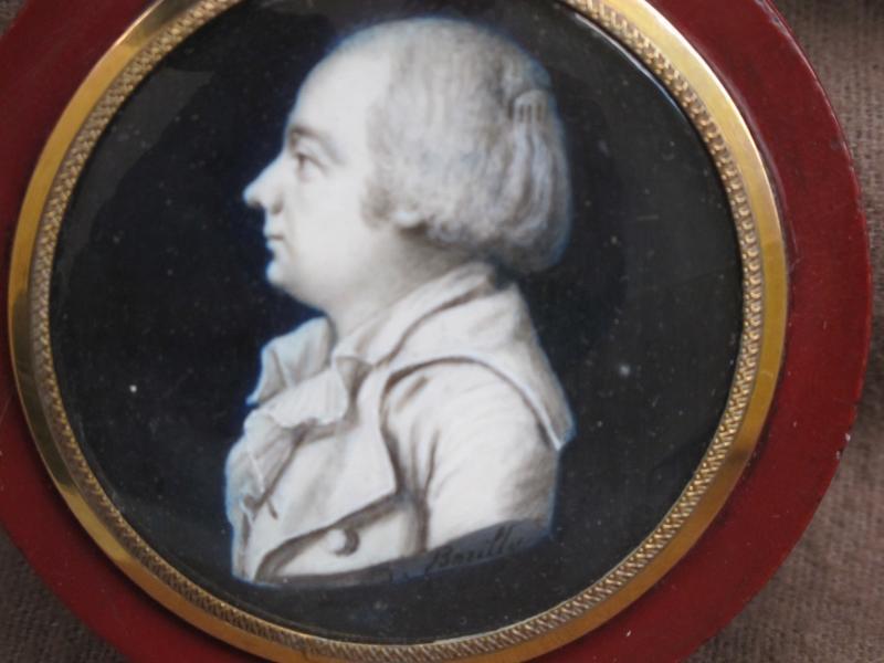 Boite Miniature Signée Borilly    Homme Les Cheveux Relevés Par Un Peigne (condamné Révolution)-photo-2