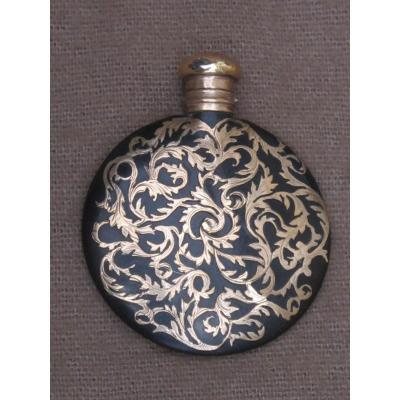 Flacon Lenticulaire à Parfum Décor Incrusté De Rinceaux En Or époque XIX ème Siècle