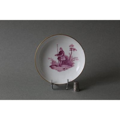 Meissen: Porcelain Cup With Decor Of A Character In Foot 18th