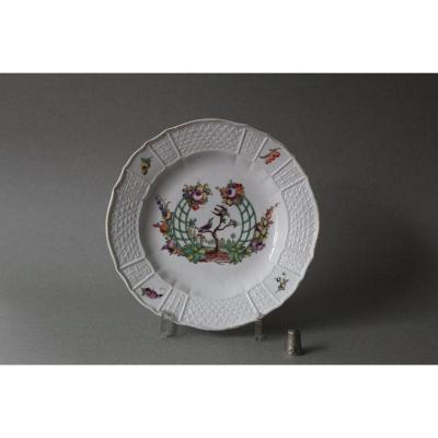 Nymphenburg:  Assiette en porcelaine à décor d'oiseaux  perchés 18ème Siècle