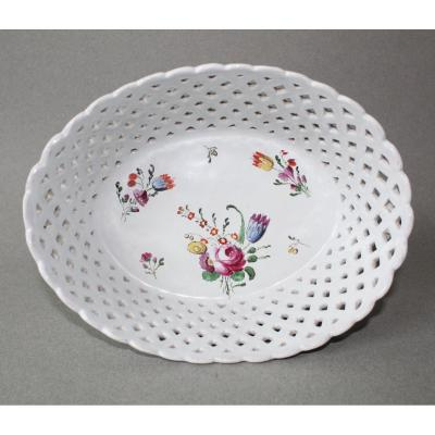 Doccia: Basket  With Flowers Decor Late 18th