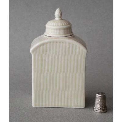 Meissen: Boîte à thé rectangulaire en porcelaine c 1750 - 1760