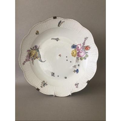 Meissen : Grand plat polylobé en porcelaine de Saxe 18ème Siècle