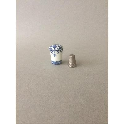 St-Cloud: Pommeau de canne en porcelaine tendre 18ème Siècle