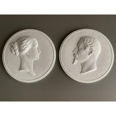 SÈvres: 2 Large Biscuit Medallions '' Napoleon III And Eugenie '', 2nd Empire