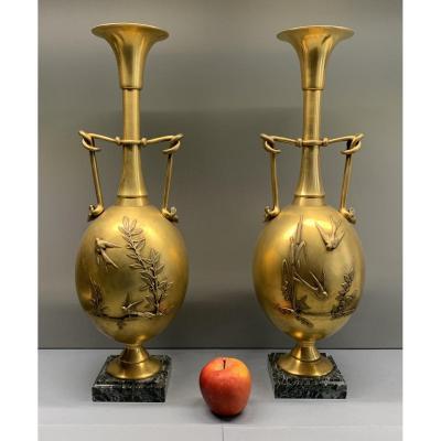 Ferdinand BARBEDIENNE: paire de vases décoratifs en bronze doré