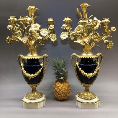 Paire de vases candélabres à 4 feux en porcelaine, bronze doré et marbre, époque Napoléon III