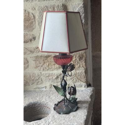 Art Nouveau Lamp With Wading Decor In Bronze