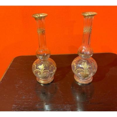 Paire De Vases Soliflores à Décor De Dorures Appliquées
