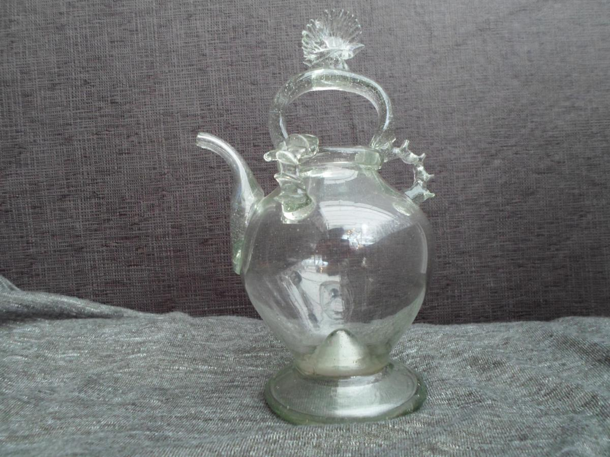 petite cruche eau b nite xviii me vases et objets en verre. Black Bedroom Furniture Sets. Home Design Ideas