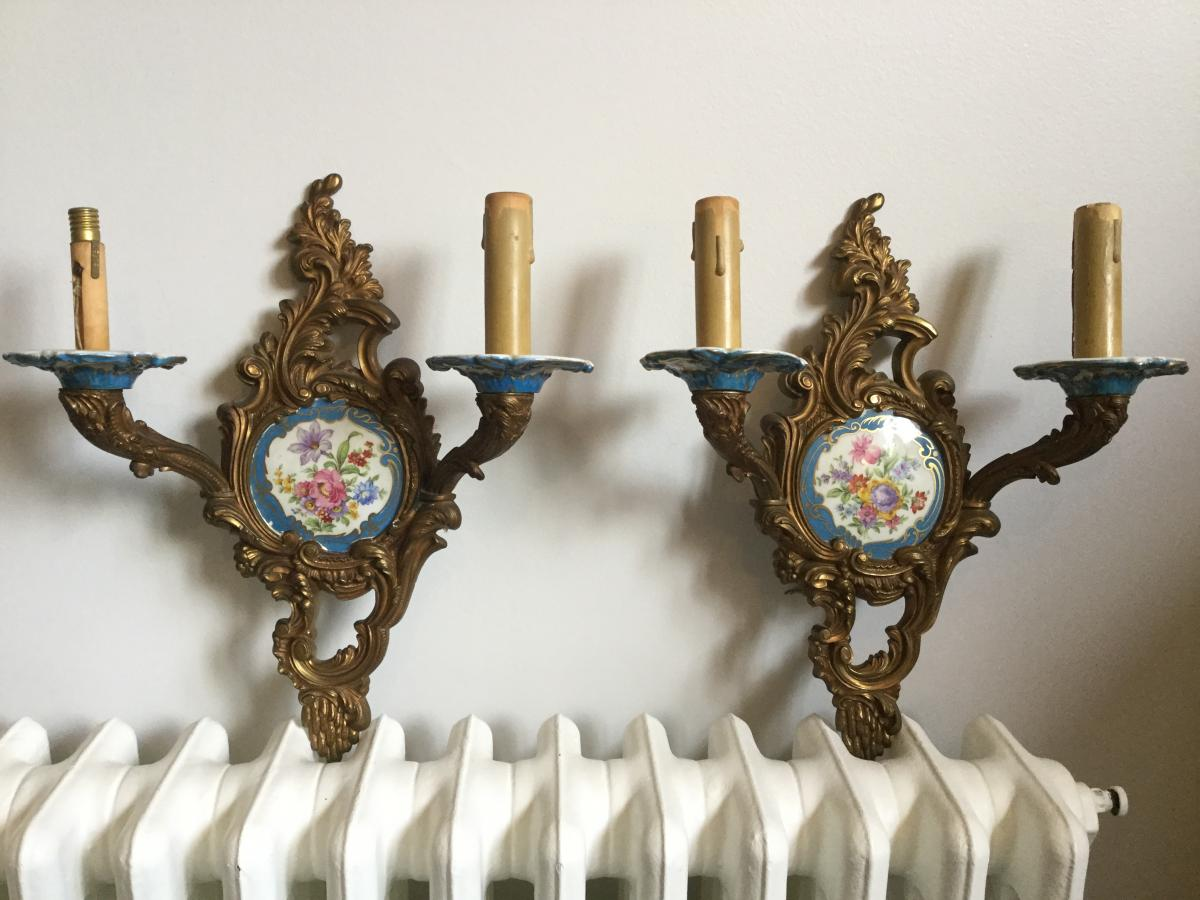 Paire D'appliques De Style Louis XV en Bronze et Porcelaine à Décor Floral