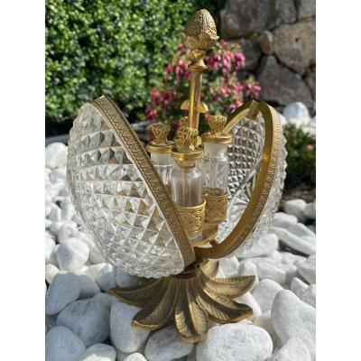Coffret à Senteurs En Cristal Taillé Et Bronze Doré , Formant Un œuf,  Style Charles X