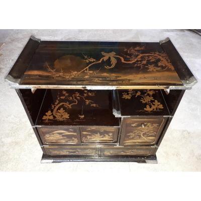 Petit cabinet Kazaridana Japonais Laqué, époque d'Edo