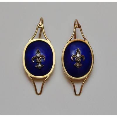 Dangle Earrings With Fleur-de-lis Pattern, C. 1920