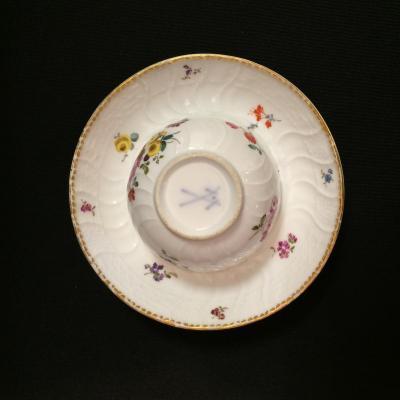 Petit bol et sous tasse en porcelaine de Derby façon Meissen