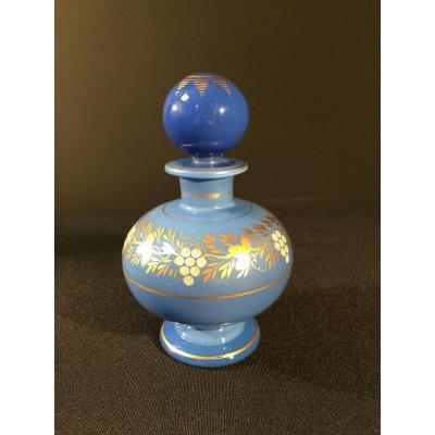 Flacon en opaline bleu lavande d'époque Charles X