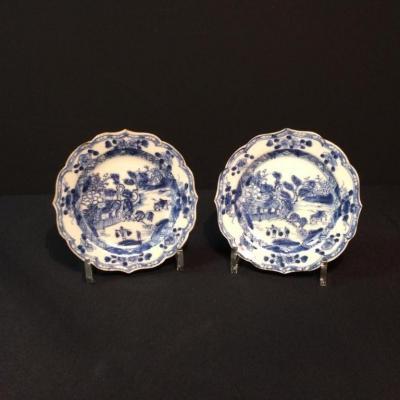 Paire d'assiettes en porcelaine de Chine XVIIIème